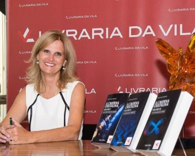 """Veja as fotos do lançamento da trilogia """"A Caverna Cristalina"""""""